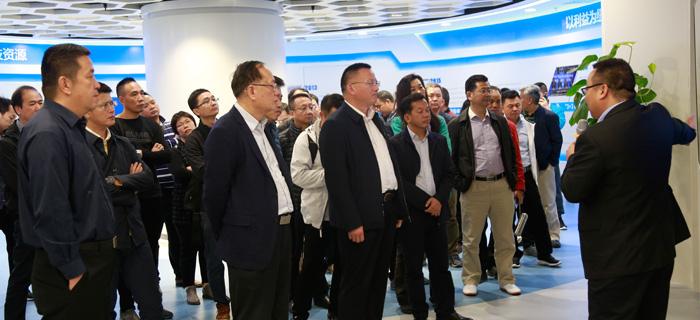 东莞市石排镇党政代表团调研大市场